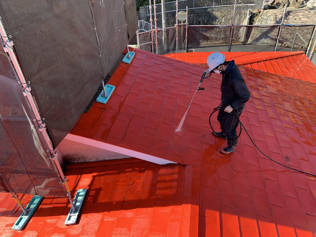 兵庫県、西宮市芦屋市の外壁屋根塗装ペイントウォールの屋根高圧洗浄の写真