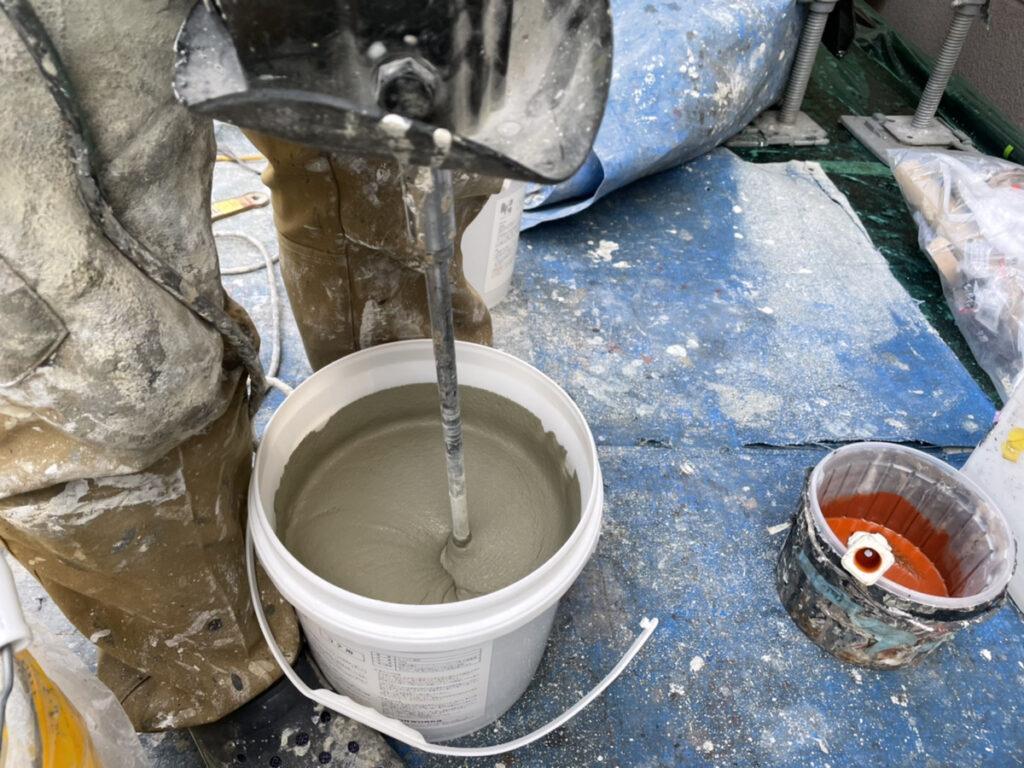 ペイントウォールのHip漆喰攪拌作業